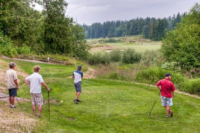 men-playing-golf-2