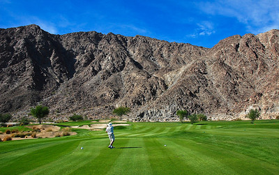 desert-golf-mountains-2