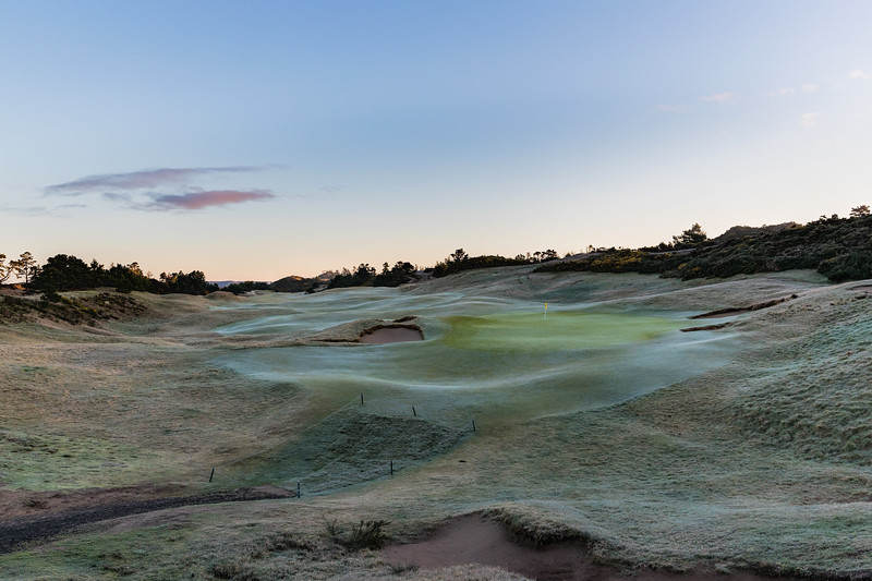 Pacific Dunes, Hole #18 with Frost Delay
