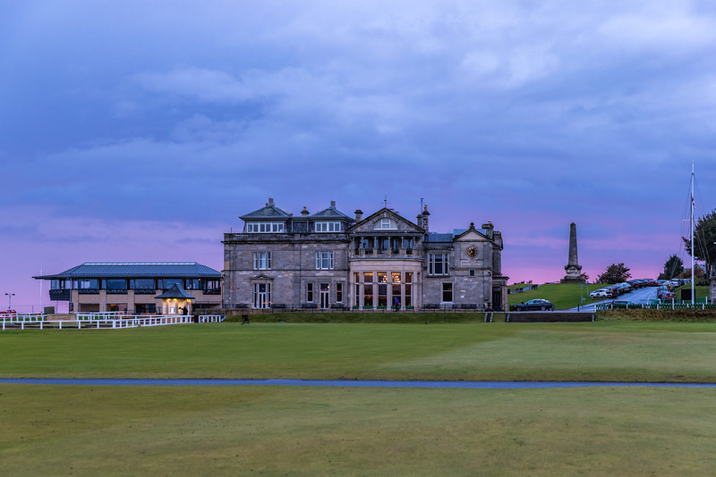 The Old Course at St Andrews, Hole #1, Par 4, Burn, R&A Clubhouse