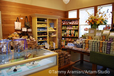 gift shop included limited-edition chocolates such as Antilles single-origin and 10th anniversary.