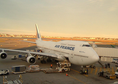 Air France B747 prepping for departure