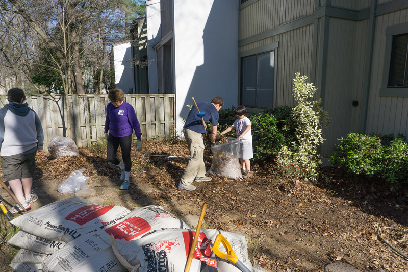 2017-04-02 GDD Raking and mulching at Pathways Group Home-02033
