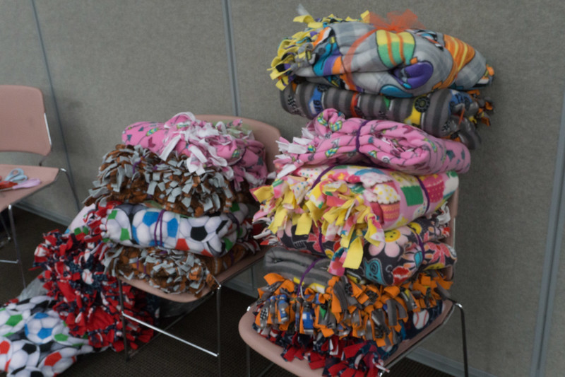 2017-04-02 GDD Making kids blankets for the shelter-02132