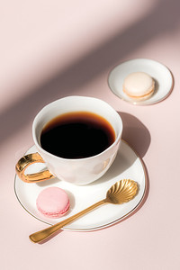 UNC Good Morning cup (White), Good Morning plate (Morning White), Good Morning plate Small (Morning White), Spoon Gold (set of 4)