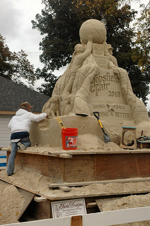 Topsfield Fair this year's sand sculpture under way