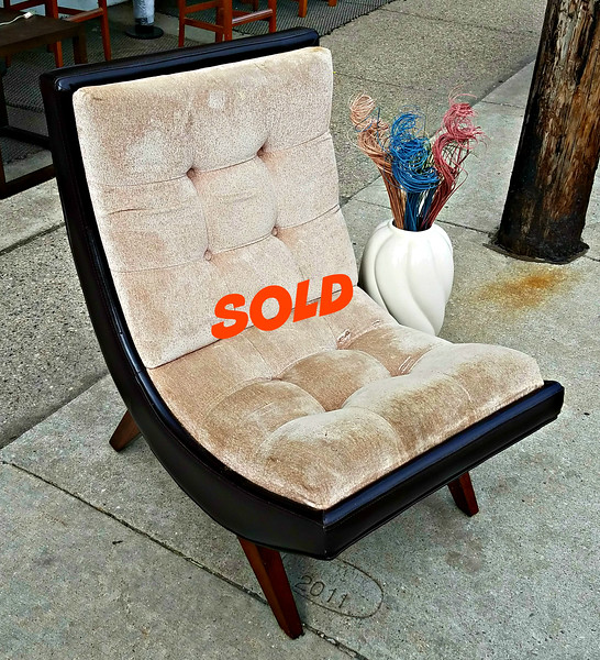 Mid-Century Slope Chair