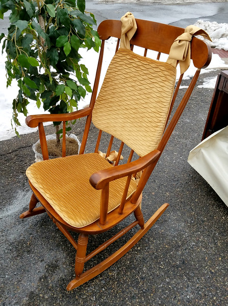 Beautiful Solid Wood Rocker in Excellent Condition.  23 x 29 x 40.  <b>$125</b>