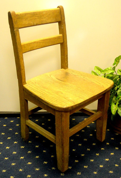 Solid Oak Child's Chair in Very Good Condition.  14 x 15 x 26.  <b>$30</b>