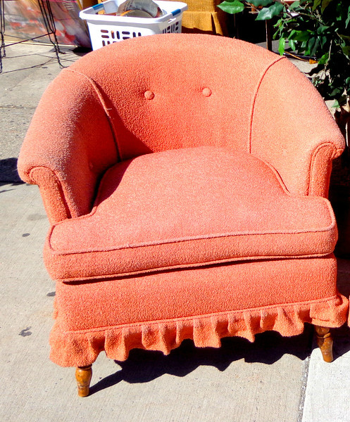 Retro Upholstered Upholstered Curved Back Accent Chair.  27 x 27 x 28.  <b>$95</b>