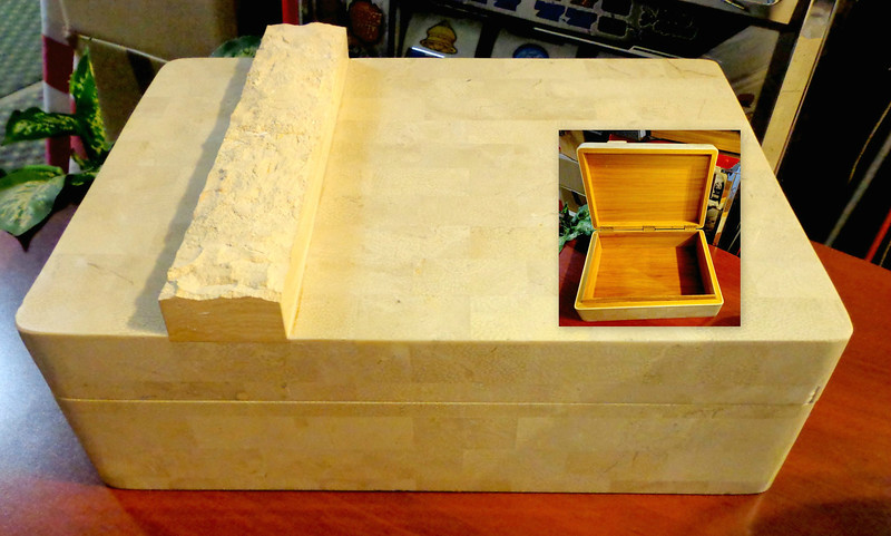 Retro Faux Marble and Stone Cedar Humidor