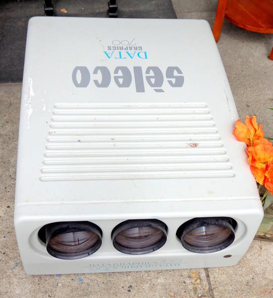 Seleco Data Graphics 700 Projector.  <b>Make A Fair Offer</b>