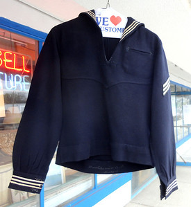 WWII US Female Navy Uniform.  Small or extra-small.  Great condition.  Freshly dry-cleaned.  $30