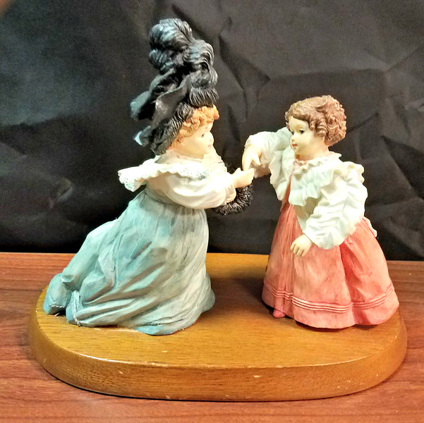 Maud Humphrey (the Mother of Humphrey Bogart) - <i>A Pleasure to Meet You Figurine. by Hamilton Gifts.</i>  <b>$20</b>