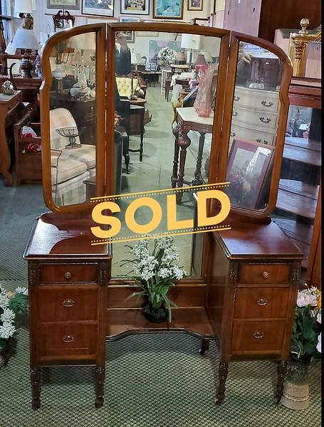 Victorian Mirrored Vanity