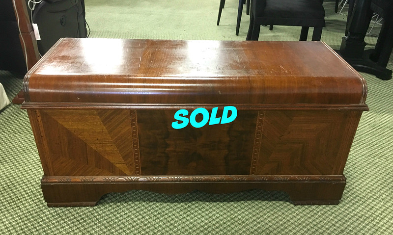 Roos Sweetheart Cedar Chest