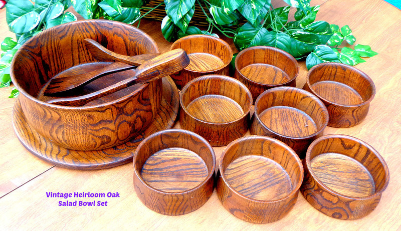 Vintage Heirloom Oak DID Ware Independent Stave Co Salad Serving Bowl with 8 Smaller Salad Bowls.  Excellent condition.  Salad Serving Bowl:  10 x 5.  Smaller Bowls: 5 x 3.  <b> $125</b>