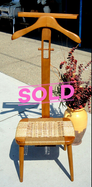 Nice Solid Wood Suit Tree with Seat.  18 x 14 x 43.  <b>$30</b>