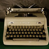 Royal Quiet De Luxe Manual Typewriter