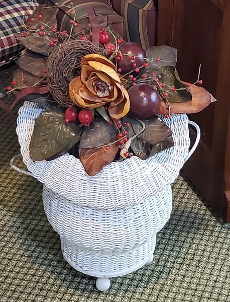 White Wicker Dry Flower Basket