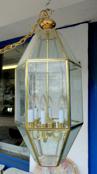 Hanging Glass Plate Chandelier.  14 x 14 x 26.  <b>$65</b>
