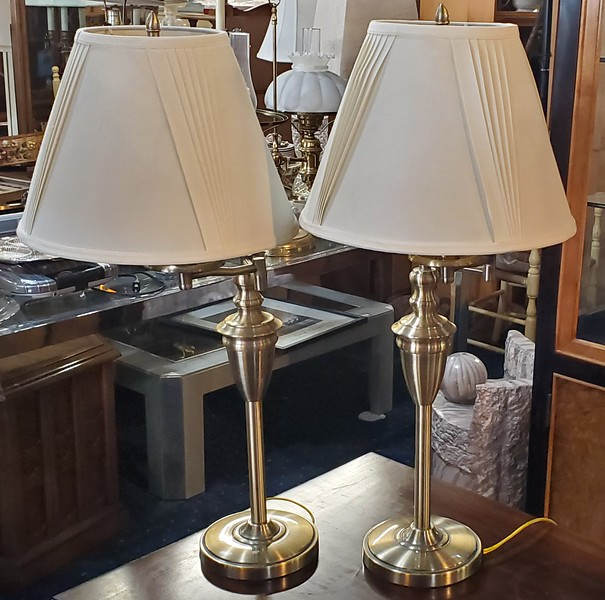 Swivel Table Lamps
