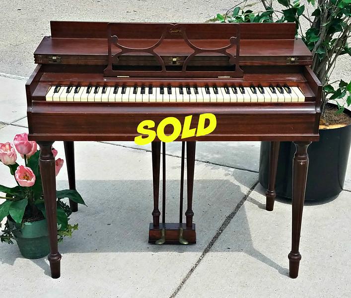 Lester Compact Piano