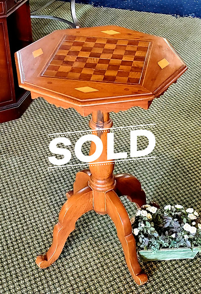 Game Table Style Pedestal Table