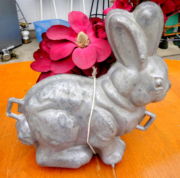 Extremely Rare Griswald Antique Rabbit Shaped Cake Mold.  <b>$185</b>