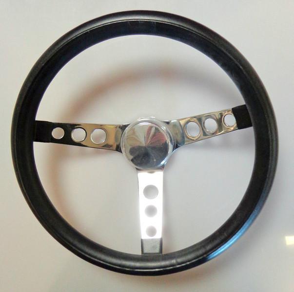Grant Steering Wheel, Classic Cruisin', Steel/Chrome, Vinyl/Black, 3-Spoke, 13.5 in. Diameter.  <b>$20</b>