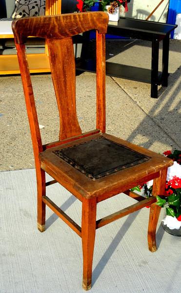 Vintage Tiger Oak Chair.  18 x 19 x 37.  <b>$40</b>