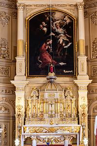 1. La construction du retable du chœur fut entreprise en 1782 par François Baillargé et son père, Jean, et achevée en 1786; 2. Le tabernacle de Noël Levasseur, réalisé en 1728, provient de la deuxième église; 3. Le tombeau du maître-autel de 1827 est de François Lemieux;