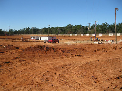 Gordon Park is now a 3/8 high banked oval. I drove around the track and it looks like FUN to me!