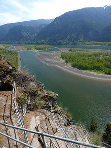 View looking east from part way up Beacon Rock.