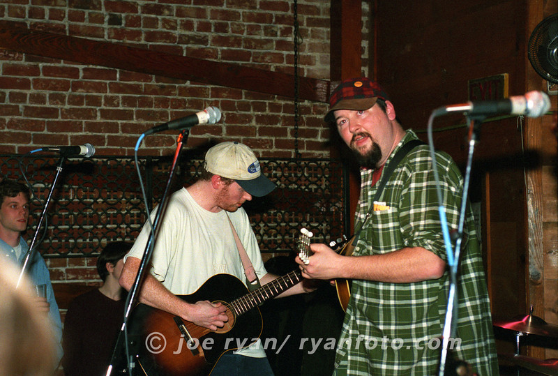"""The Gourds<br /> """"Gin & Juice""""<br /> Starry Plough, Berkeley, CA<br /> February 10, 1998"""