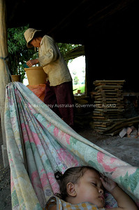 Ceramic Water Projects, Cambodia, 2006. Courtesy & © Australian Government, AusAID. AUSAIDXXX