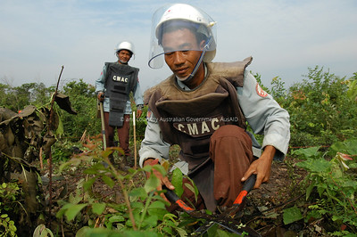 Mine Clearance, Pailin, Cambodia, 2006. Courtesy & © Australian Government, AusAID. AUSAIDXXX