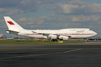 Kingdom of Bahrain (Bahrain Amiri Flight) Boeing 747-4P8 A9C-HMK (msn 33684) LHR (SPA). Image: 924356.