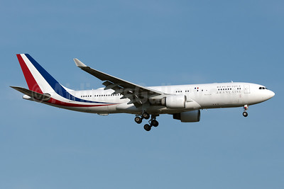 Republique Francaise (French Air Force) Airbus A330-223 F-RARF (msn 240) JFK (Fred Freketic). Image: 952969.