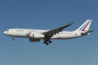 Republique Francaise (French Air Force) Airbus A330-243 F-UJCS (msn 1608) LAX (James Helbock). Image: 952970.