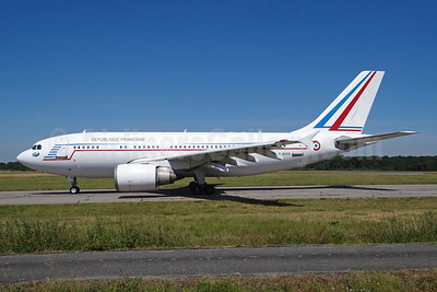 Republique Francaise (French Air Force) Airbus A310-304 F-RADA (msn 421) IAD (Brian McDonough). Image: 920660.
