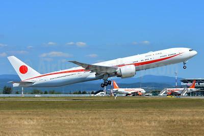 Japan Government (JASSDF) Boeing 777-3SB ER N509BJ (msn 62439) BSL (Paul Bannwarth). Image: 945704.