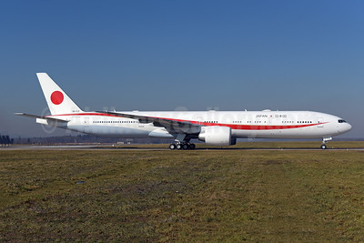 Japan Government (JASSDF) Boeing 777-3SB ER 80-1112 (msn 62440) ZRH (Rolf Wallner). Image: 945705.