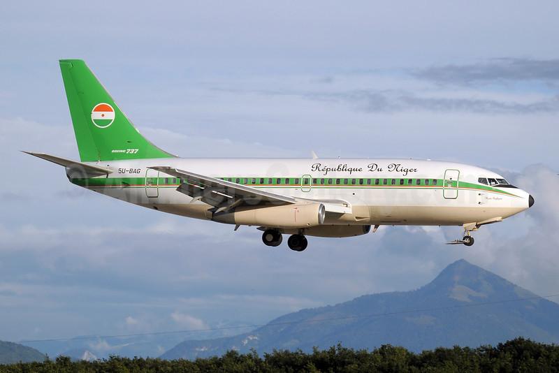 Republique Du Niger Boeing 737-2N9C 5U-BAG (msn 21499) GVA (Paul Denton). Image: 907277.