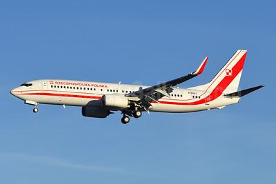 Rzeczpospolita Polska (Republic of Poland) Boeing 737-800 WL N785BJ (0112) (msn 63990) BFI (Steve Bailey). Image: 944685.