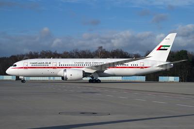United Arab Emirates Boeing 787-8 Dreamliner A6-PFC (msn 35303) CGN (Rainer Bexten). Image: 931001.