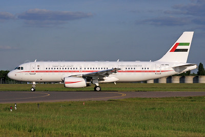United Arab Emirates (Abu Dhabi Amiri Flight)  Airbus A320-232 A6-HMS (msn 3379) LHR (SPA). Image: 928854.