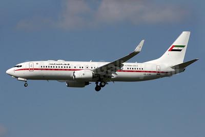 United Arab Emirates (Abu Dhabi Amiri Flight)  Boeing 737-8EX WL A6-AUH (msn 33473) LHR (Antony J. Best). Image: 903027.
