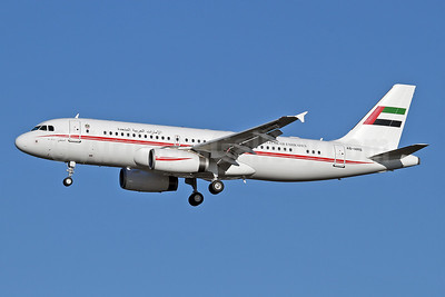 United Arab Emirates (Abu Dhabi Amiri Flight)  Airbus A320-232 A6-HMS (msn 3379) LHR (Keith Burton). Image: 928853.