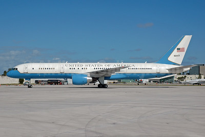 United States of America (U.S. Air Force) Boeing VC-32A (757-2G4) 90003 (msn 29027) MIA (Bruce Drum). Image: 100374.